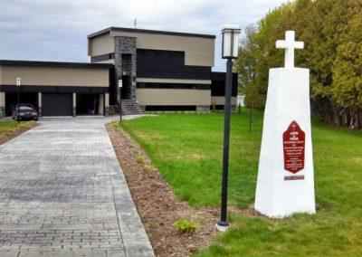 Monument à la mémoire du Père Anne de Noue