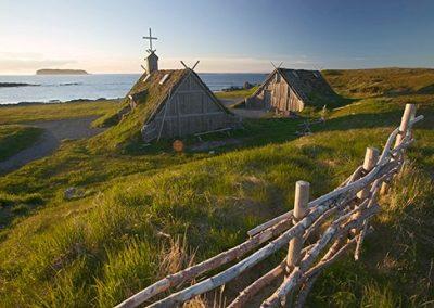 Canada island Newfoundland L'Anse aux meadows houses North America viking Trail destination sight viking-settlement coast