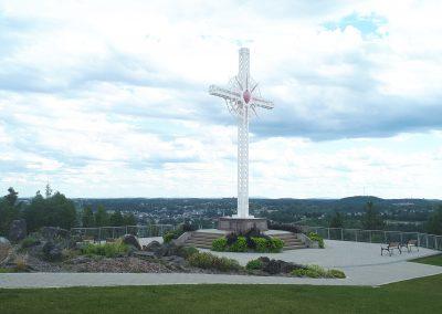 La croix commémorant l'endroit où le Père Racine arrêta le feu
