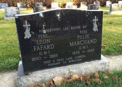 Tombeau du Père Fafard et du Père Marchand