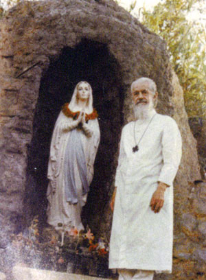 Frère Flavien et la grotte de Notre-Dame-de-la-misère