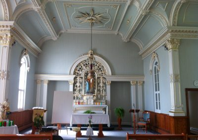 Intérieur de la chapelle Sainte-Anne-des-Montagnes