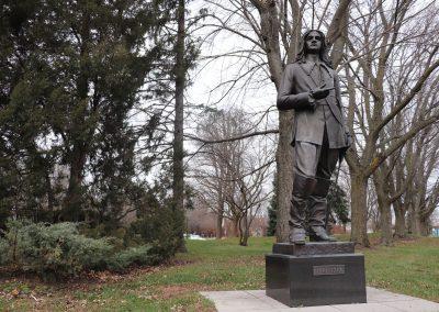 Statue de Pierre Boucher à Trois-Rivières