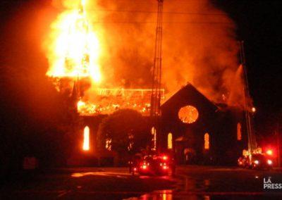 Église Saint-Paul en feu