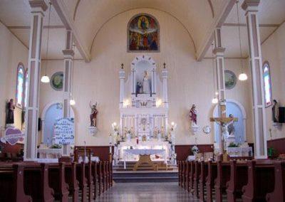 Intérieur de l'église Notre-Dame-de-la-Salette