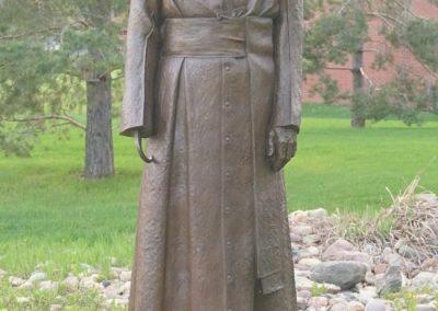 Statue du vénérable Antoine avec sa main amputée