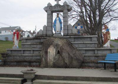 Statue miraculeuse de Notre-Dame-des-Bois