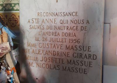 Ex-voto à Sainte Anne dans le petit sanctuaire à Varennes
