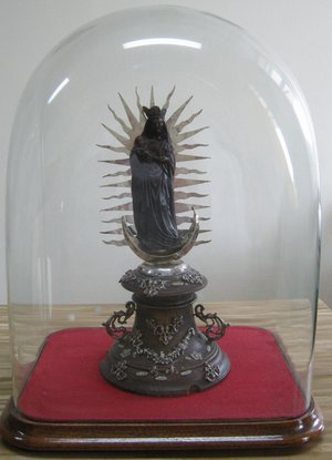 Statuette de Notre-Dame-de-Foy chez les Servantes de Jésus-Marie à Gatineau