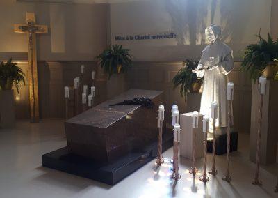 Tombeau de Sainte Marguerite d'Youville dans la basilique Sainte-Anne-de-Varennes